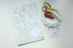 Ozdabiamy teczkę DIY - w łatwy sposób dekorujemy białą teczkę.