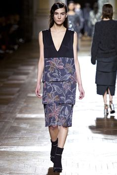 Dries Van Noten Fall 2013 Ready-to-Wear Fashion Show - Mijo Mihaljcic (IMG)