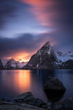 captvinvanity:    Olstind Peak | Photographer | CV