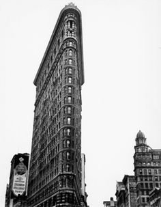 Wouldn't it be amazing to stand in front and look up at this building! Flatiron building New York by Berenice Abbott