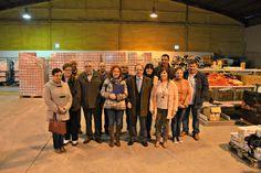 José Manuel Blanco, Catalina García Blanco y parte de la corporación en el Centro de Recursos Solidarios (foto: Concello de Narón)