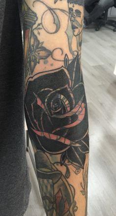 Blastover rose Feminine Tattoo Sleeves, Feminine Tattoos, Awesome Tattoos, Cool Tattoos, Blast Over Tattoo, Blackout Tattoo, Having A Blast, Tattoo Flash, Blackwork