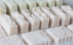 Děláme první mýdlo – jednoduchý recept pro každého Natural Cosmetics, Shampoo, Soap, Herbs, Treats, Homemade, Health, Recipes, Diy