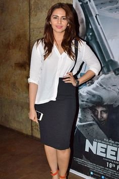Huma Qureshi sets beautiful style statement or suffers wardrobe malfunction. Huma Qureshi is a famous Indian model and actress, who appears in Hindi movies. Huma Qureshi Hot, Indian Models, Bollywood Actress, Leather Skirt, Actresses, Celebrities, Pretty, Skirts, Beautiful
