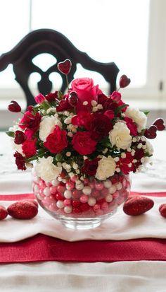 DIY Bubblegum Bowl Valentine Centerpiece