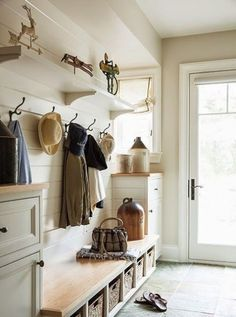 Organize Your Entryway: 40 Cool Ideas | ComfyDwelling.com #PinoftheDay #organize #entryway #cool #ideas