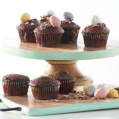 Give your homemade baking a lift with this naturally contemporary cake stand. Clean and fresh, turquoise adds some pep to kitchen décor too. Mango is a densely grained wood, but also relatively soft and easy to carve so special tools aren't needed, reducing costs for makers.
