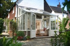 Afbeeldingsresultaat voor modern lean to conservatories Conservatory Dining Room, Lean To Conservatory, Conservatory Design, Conservatories Uk, Listed Building, Screened In Porch, Cottage Interiors, Outdoor Living, Outdoor Decor