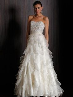 obsessed with this wedding dress.