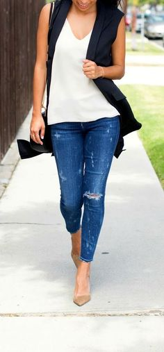 minimal street style. sleeveless blazer.