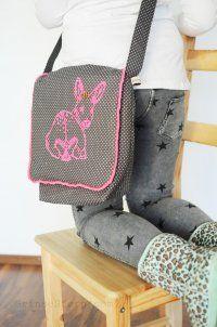 Shoulder bag for children's patterns for free - Handbags Craft Bags, Sewing Accessories, Sewing For Kids, Sewing Ideas, Gym Bag, Diy And Crafts, Satchel, Shoulder Bag, Handbags