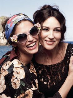 Pañuelo en la cabeza estilo D http://www.marie-claire.es/moda/accesorios/articulo/el-panuelo-se-lleva-en-la-cabeza-161371551861