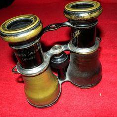 A James Brothers and Co London 1836-1860 körüli kézi gyártású távcsövét kínálom eladásra családi hagyatékból. A készítő fivérek London híres üvegkutatói