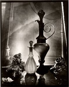 """Josef Sudek - Glass Labrynths - 1968""""Todo cuanto nos rodea, vivo o muerto, adopta misteriosamente multitud de variaciones a ojos de un fotógrafo loco, de manera que un objeto en apariencia muerto cobra vida a través de la luz o gracias a su entorno."""" – Josef Sudek"""