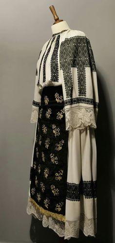Folk Art, Kimono Top, Costumes, Crafty, Blouse, Clothing, Tops, Fashion, Bass Drum