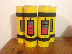 Scream Canisters made from Pringles cans! These were made for a Monsters INC party. Scream Canisters made from Pringles cans! These were made for a Monsters INC party. Monster Inc Party, Monster University Party, Monsters Inc University, Monster Inc Birthday, Deco Disney, Disney Diy, Disney Pixar, 2nd Birthday Parties, Baby Birthday