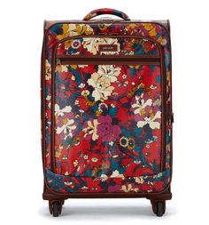 """Travel in style with this new version of our best-selling spinner! The perfect size for medium to long trips, the 26"""" Spinner is hard to miss on the baggage carousel!"""
