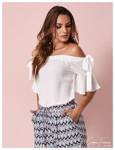 Classy Outfits, Casual Outfits, Fashion Outfits, Blouse Styles, Blouse Designs, Trendy Fashion, Womens Fashion, Diy Fashion, Top Pattern