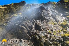 Diese Wanderung ist ein absolutes muss für Adrenalin Junkies. Die Wanderung führt von Ausserberg entlang der Niwärch Wasserleitung bis zum Stollen Eingang.  Ein wahres Abenteuer und ganz klar einer unserer Favoriten. Keep Hiking4Fun!