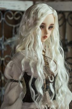 Wigs for BJD Dolls - BJD Accessories, Dolls - Alice's Collections She is sooooo beautiful. Ball Jointed Dolls, Ooak Dolls, Barbie Dolls, Enchanted Doll, Kawaii Doll, Gothic Dolls, Realistic Dolls, Anime Dolls, Creepy Dolls