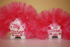 Items similar to Big Sister & Little Sister Matching Piggy Banks on Etsy Big Sister Little Sister, Little Sisters, Pig Bank, Big Little Gifts, Big Little Reveal, Sorority Crafts, Money Box, Crafts To Do, Christmas Presents
