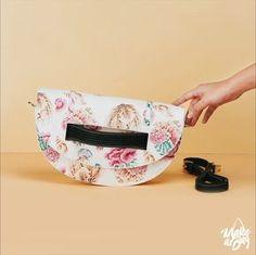 Catch it if you can! Or just create your own beautiful and unique bag with Make-a-Bag! Popular Handbags, Unique Handbags, Tool Design, Design Process, 2017 Design, You Bag, Bag Making, Clutch Bag, Designer Handbags