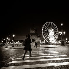 Woman Concorde place by Zeeyolq Photography