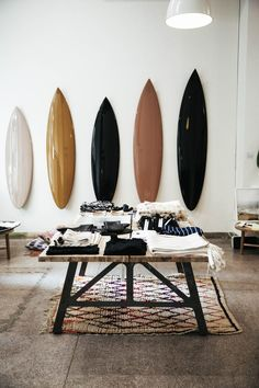 Start by liberating your interior design from .Start by liberating your interior design at . - Design Interior liberating Shop startedLittle Ink Empire surf wall art Start with the liberation Decoration Surf, Surf Decor, Surf Style Decor, Surf Style Home, Surfboard Decor, Deco Surf, Surf Store, Surf House, House Wall