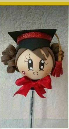 Graduation Diy, Kindergarten Graduation, Polymer Clay Crafts, Felt Crafts, Diy Crafts Phone Cases, Pencil Crafts, Pencil Toppers, Angel Crafts, Quilling Art