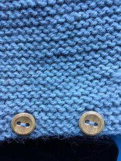 Patrón pelele manga larga 0-3 meses, nivel intermedio - Costurea Blog Baby Knitting Patterns, Baby Clothes Patterns, Knitting For Kids, Crochet For Kids, Clothing Patterns, Lily, Blog, Old Shirts, Baby Cardigan
