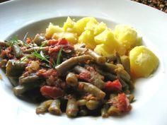 Salzkartoffeln mit Bohnen-Tomatengemüse