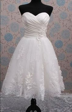 Short Wedding Lace Dress/Bridal Gowns by heartbunch on Etsy, $150.00