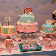 """Nicole Sofia on Instagram: """"Apaixonada por esse trio de bolos verdadeiros.  #festachuvadeamor #chuvadebencaos #chuvadeamor . .  . . #nicolesofia #babygirl…"""" • Instagram"""
