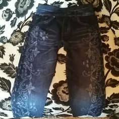 Super cute jegging short So comfortable! Easy to wear jean look, bought in a boutique in Canada.   Can wear  with a long top for a casual comfy look, or use them to workout in, nice soft stretch fabric,  NWOT Other