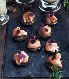 The appetizer with smoked salmon- Forret med røget laks The appetizer with smo… Leftover Salmon Recipes, Grilled Salmon Recipes, Tapas Recipes, Wine Recipes, Fish Dishes, Tasty Dishes, Yummy Eats, Yummy Food, Canapes Catering