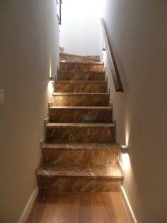 Ideas de #Escalera, estilo #Contemporaneo color  #Beige,  #Marron, diseñado por QIONE SERVICIOS   #CajonDeIdeas