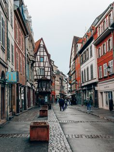 Un week-end à #Colmar en #Alsace. Hotel Restaurant, Blog Voyage, Week End, Photographs, Street View, Europe, Architecture, Heart, Travel
