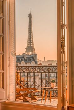 Paris Hotels, Hotel Paris, Paris Paris, Montmartre Paris, Paris City, Paris Flat, City Aesthetic, Travel Aesthetic, Gold Aesthetic