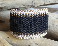 Black Macrame Cuff,Wavy Bracelet,Zig zag,Handmade woven jewelry,Knotted,Women Wristband, Bead Closure, Micro Macrame Jewelry
