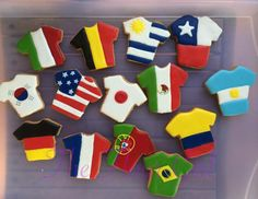 Just in time for the World Cup. Soccer jersey flag cookies https://www.facebook.com/flor.garcialuna?fref=photo