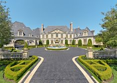 Preferred style of architecture for the exterior of my home, fountain and all but probably not both wings. Mega Mansions, Mansions Homes, Dream Mansion, Entrance Design, Traditional Exterior, Traditional Landscape, Dream House Exterior, Front Entrances, French Chateau