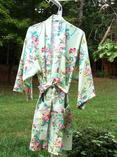Custom Bridal Robes by Belles of Cotton: http://belles-of-cotton.myshopify.com/collections/robes/products/robes