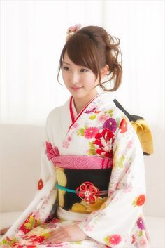My Dream Butterfly Kimono Kimono Japan, Yukata Kimono, Kimono Dress, Japanese Kimono, Japanese Girl, Kimono Fabric, Traditional Fashion, Traditional Dresses, Japanese Beauty