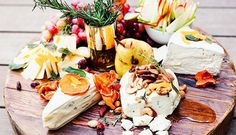 GLAM UP A STORE-BOUGHT CHEESE PLATE