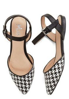 Fab Foot Forward Flat