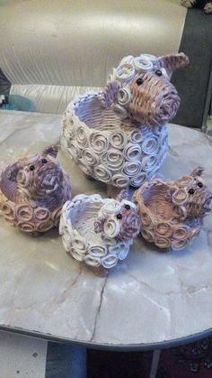 Arts And Crafts Light Fixture Newspaper Basket, Newspaper Crafts, Paper Basket Weaving, Recycled Paper Crafts, Rolled Paper Art, Magazine Crafts, Quilling Paper Craft, Weaving Projects, Quilling Designs