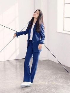 like this navy suit on Kim Tae Ri (김태리) Curvy Fashion, Asian Fashion, Girl Fashion, Womens Fashion, Fashion Design, Prom Suit Girl, Suits Korean, Girl Outfits, Casual Outfits