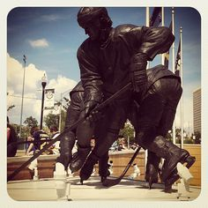 The Mario Lemieux statue outside Consol Energy Center