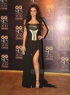 20 Hot & Sizzling Photo's of Maryam Zakaria |  Bollywood Item Girl