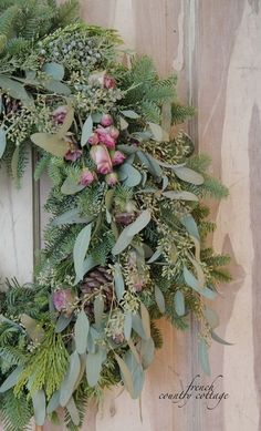 Easy 5 minute gorgeous Christmas wreath FRENCH COUNTRY COTTAGE: Easy 5 minute gorgeous Christmas wreath<br> DIY way to customize a fresh evergreen Christmas wreath with flowers and eucalyptus Christmas Flowers, Natural Christmas, Noel Christmas, Christmas Decorations, Cottage Christmas, Christmas Cactus, Christmas Vacation, Simple Christmas, Tree Decorations